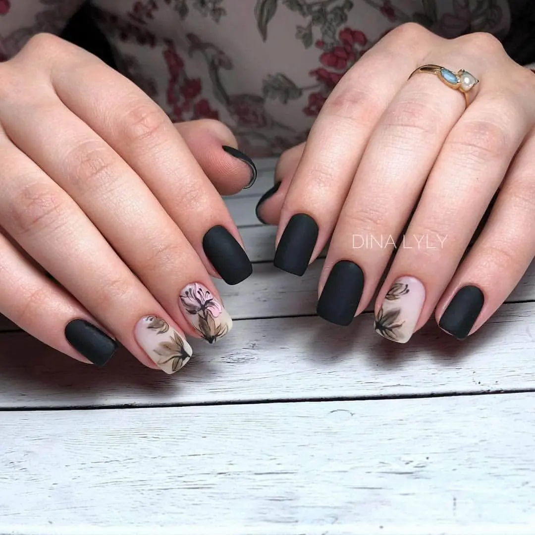 trending-nails-designs-in-black-6