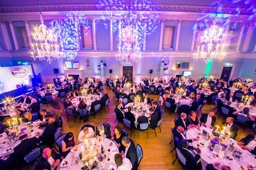 mo-hinh-nha-hang-Banquet-Hall